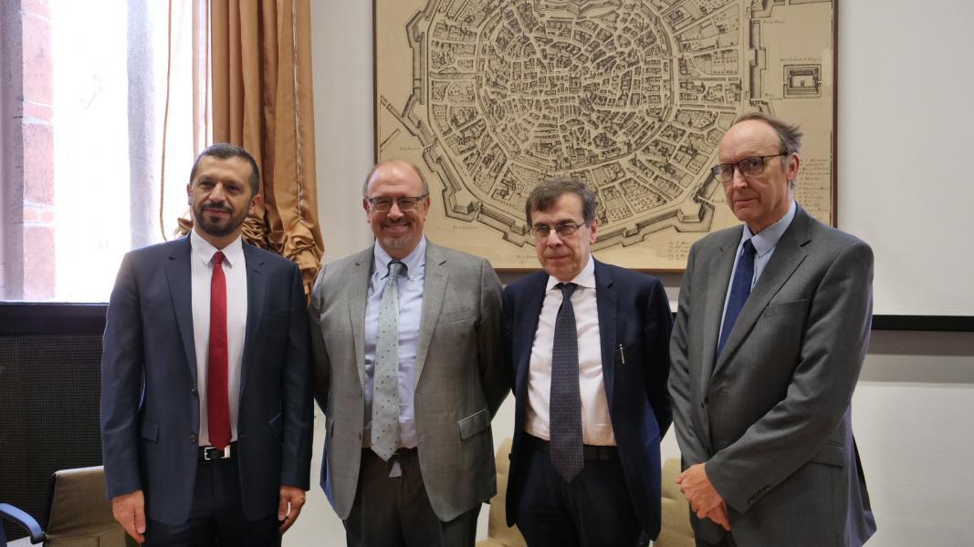 Rettore e altri della Khalifa University
